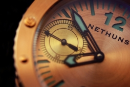 Amazing macro shot of the Nethuns Bronze dial