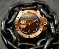 The Nethuns bronzo, a serious diving instrument built for professionals